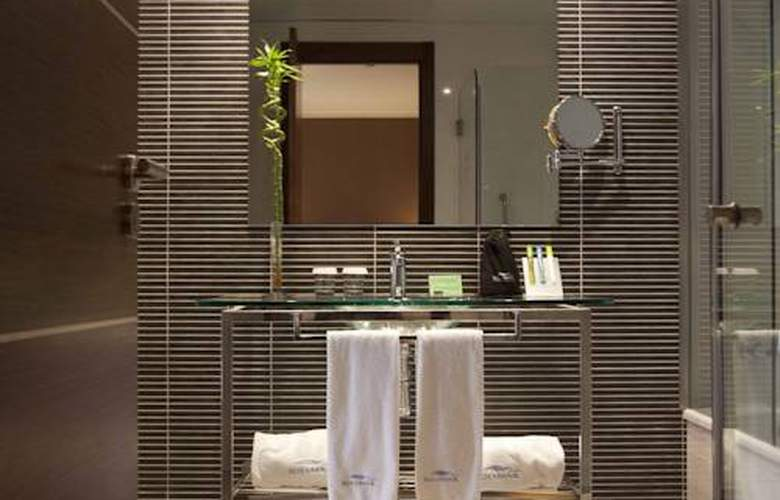 Gran Hotel Sol y Mar - Room - 10