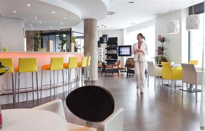 Novotel Suites Malaga Centro - Bar - 17