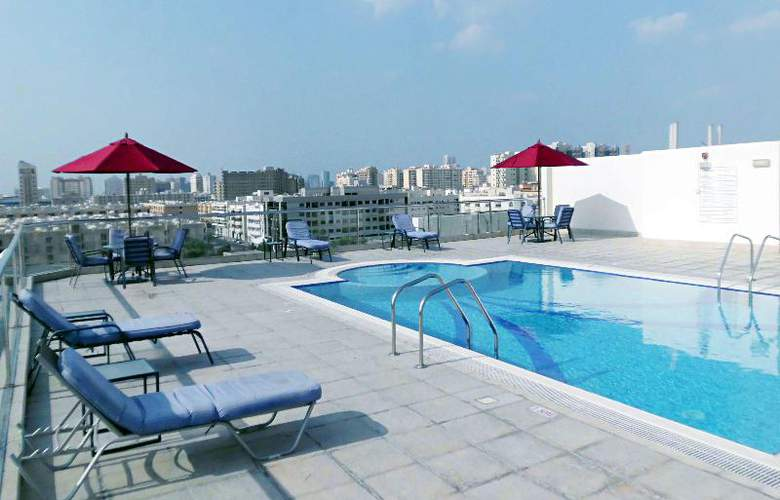 Fortune Classic Hotel Apartments - Pool - 5