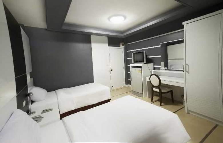 Fairtex Sport Club & Hotel - Room - 11