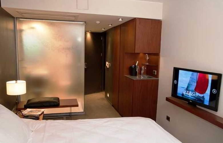 Ismael - Room - 7