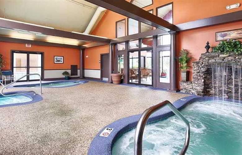 Best Western Merry Manor Inn - Hotel - 37