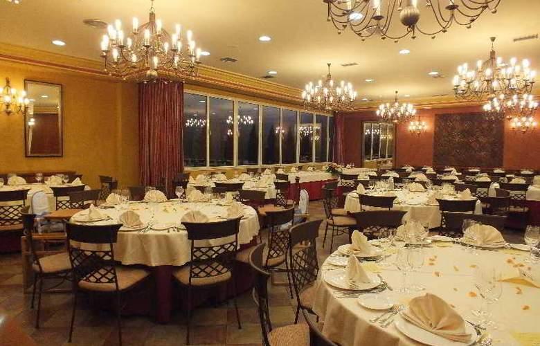 Pamplona Villava - Restaurant - 19