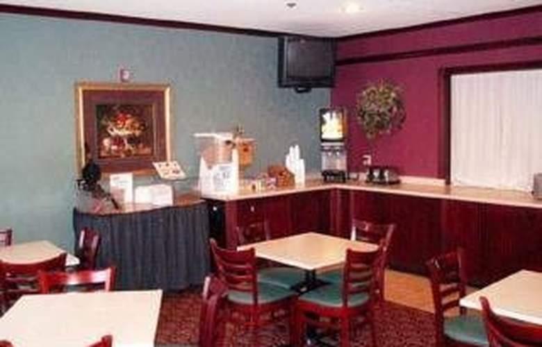 Quality Inn & Suites East - Restaurant - 6