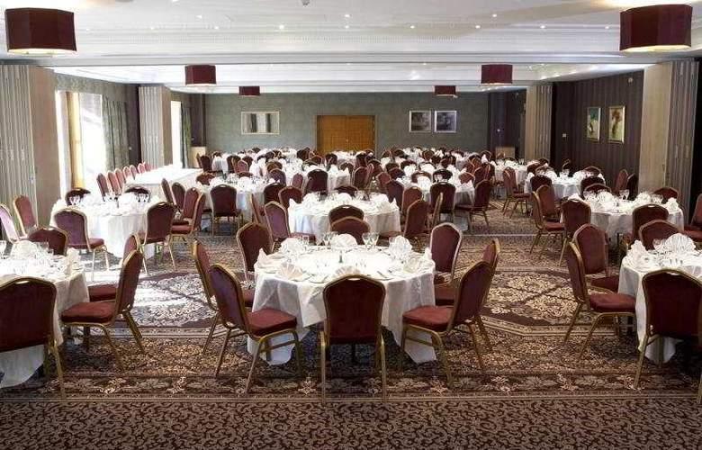 Shendish Manor Hotel & Golf Course - Restaurant - 10