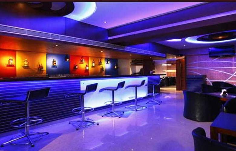 Krishinton Suites - Bar - 4