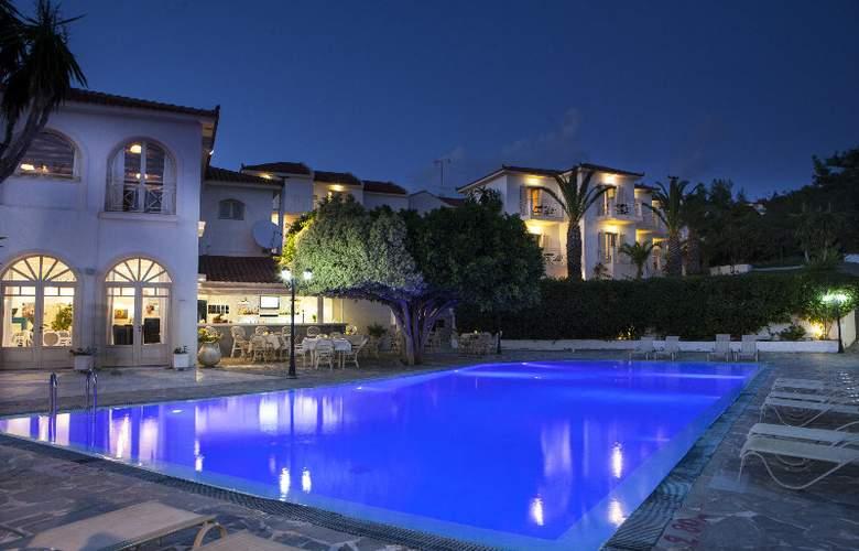 Princess Hotel - Pool - 3