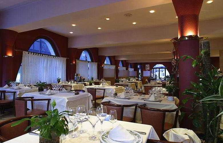Hotel Roc Blanc - Restaurant - 8