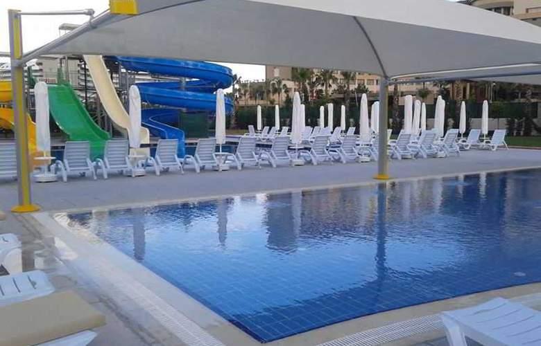 Grand Park Lara - Pool - 16