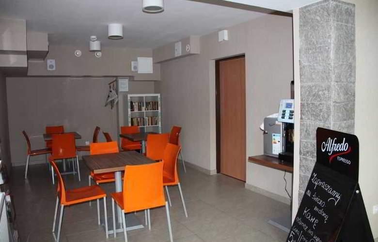 Hostel 36 - Restaurant - 13