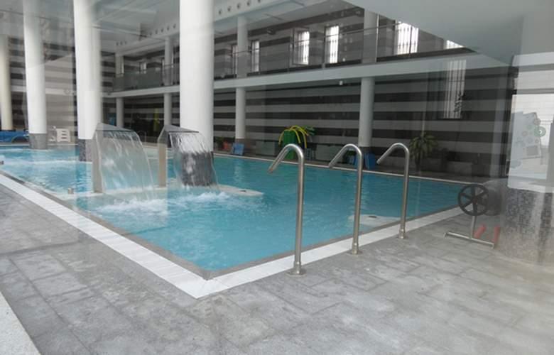 Albergue Inturjoven & Spa Jaén - Pool - 7