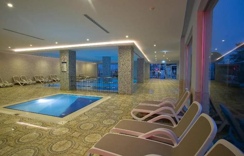 Water Side Delux Resort - Pool - 55