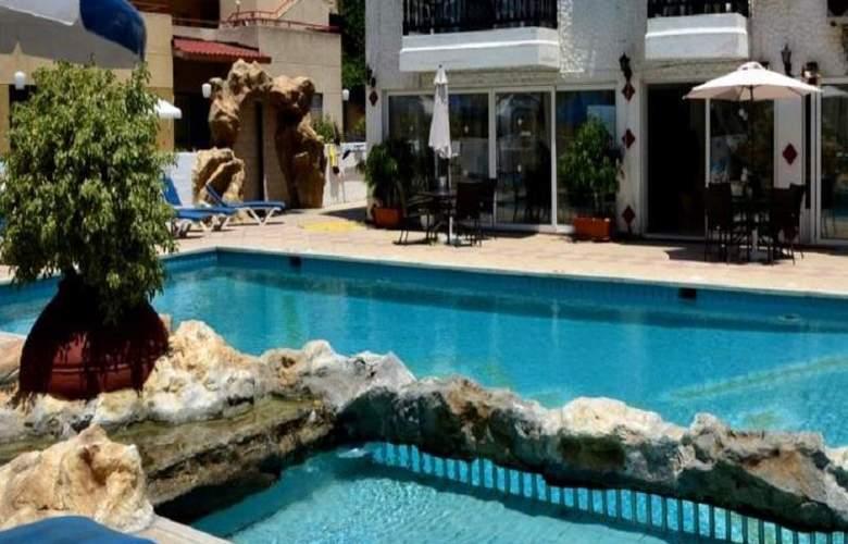 Larco Hotel - Pool - 5