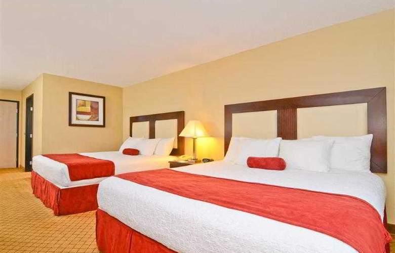 Best Western Plus Macomb Inn - Room - 29