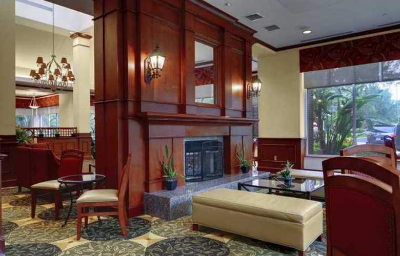 Hilton Garden Inn Tampa East/Brandon - Hotel - 2