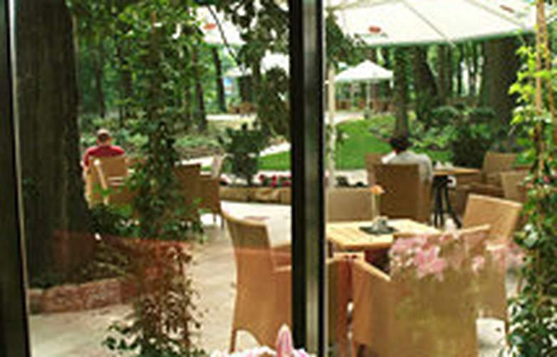 Farmona Hotel Business & SPA Hotel - Bar - 4