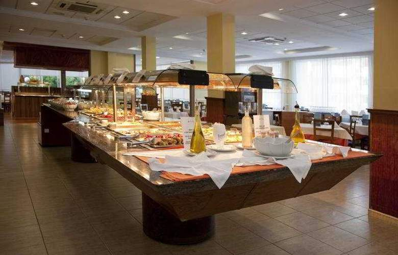 Gran Hotel Las Fuentes - Restaurant - 6
