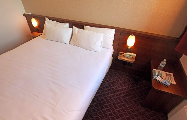 Brit Hotel Esplanade - Hotel - 6