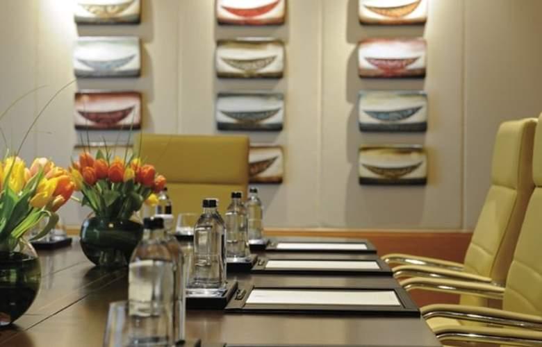Ritz-Carlton, Dubai International Financial Centre - Conference - 10
