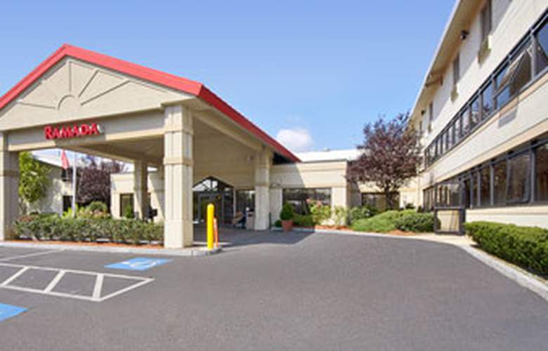 Ramada Boston - Hotel - 0