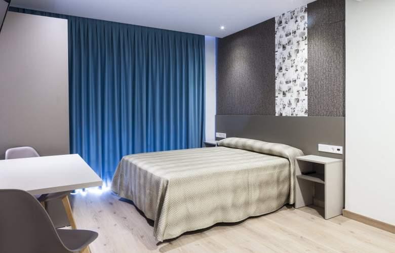 2 Sleep Estudios Benidorm - Room - 2