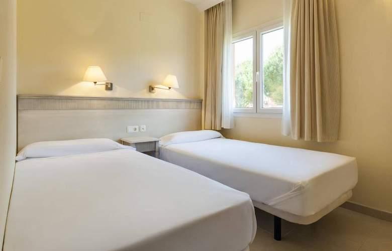 Aparthotel Ilunion Sancti Petri - Room - 16