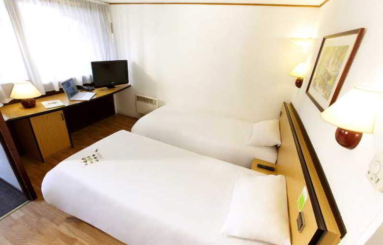 Campanile Strasbourg Aeroport - Room - 4