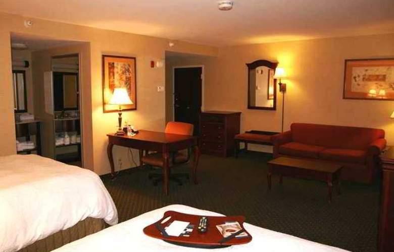 Hampton Inn Brattleboro - Hotel - 3
