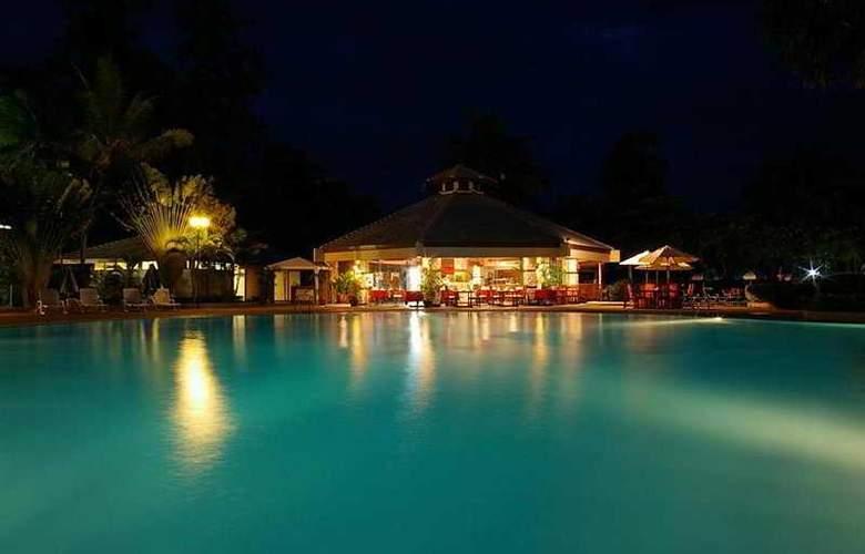 Novotel Rim Pae Rayong - Pool - 5
