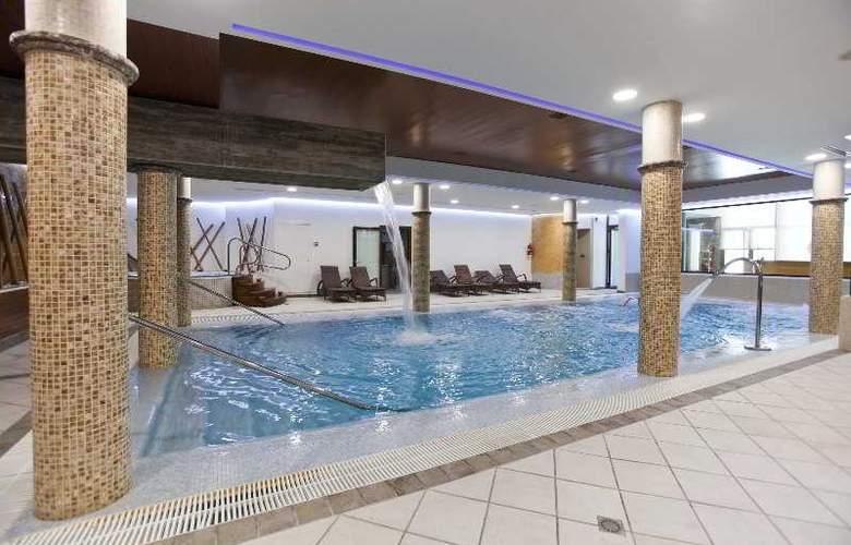 Hospes Palacio de Arenales - Pool - 1