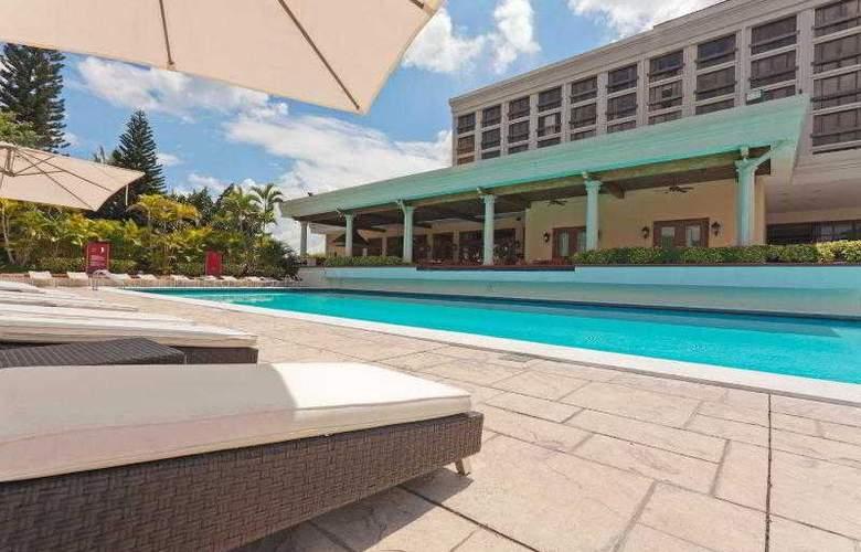 Crowne Plaza San Salvador - Pool - 30