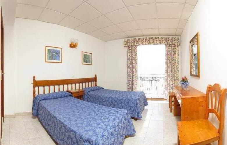 Hostal Torres - Room - 4