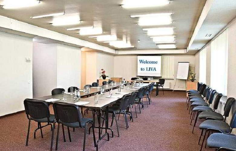 Liva - Conference - 10