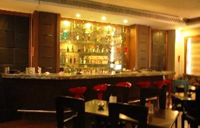 Deccan Plaza - Bar - 1