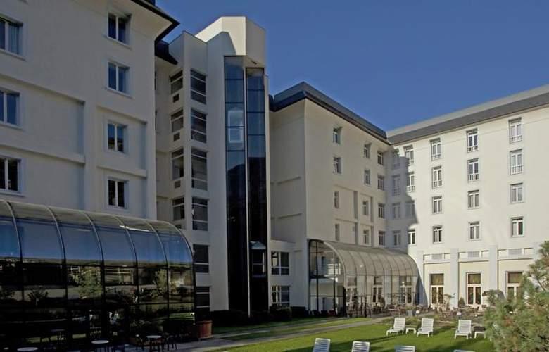 Mercure Brides-Les-Bains Grand Hôtel Des Thermes - Hotel - 6