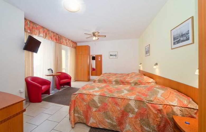 Seifert - Room - 26