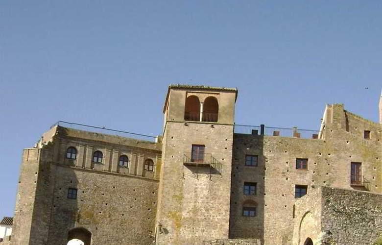 Castillo de Castellar - Hotel - 3