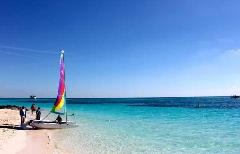 Memories Grand Bahama Beach & Casino Resort - Beach - 4