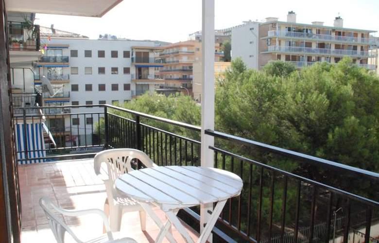 Apartamentos Hesperia, Flandria y Alfonso I - Room - 4
