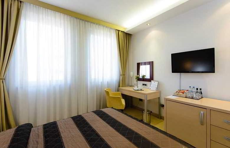 In Hotel Belgrade - Room - 1