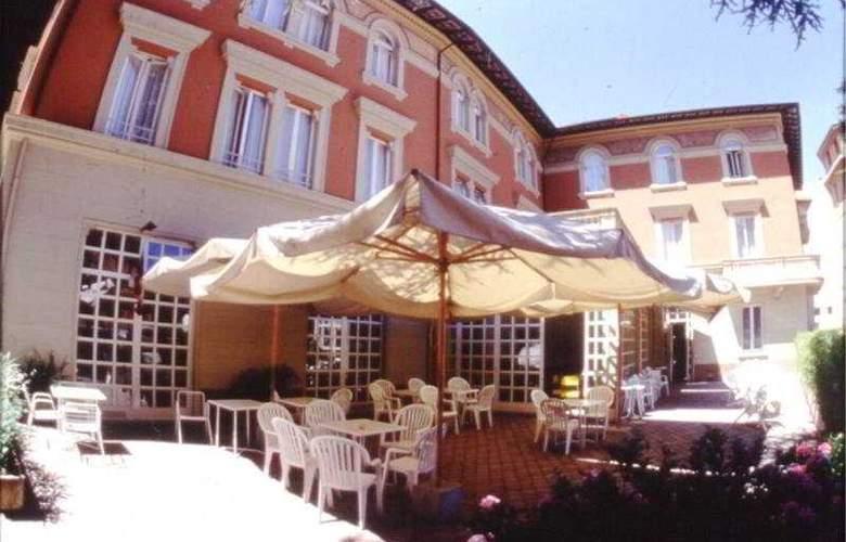 Salus Hotel - Hotel - 0