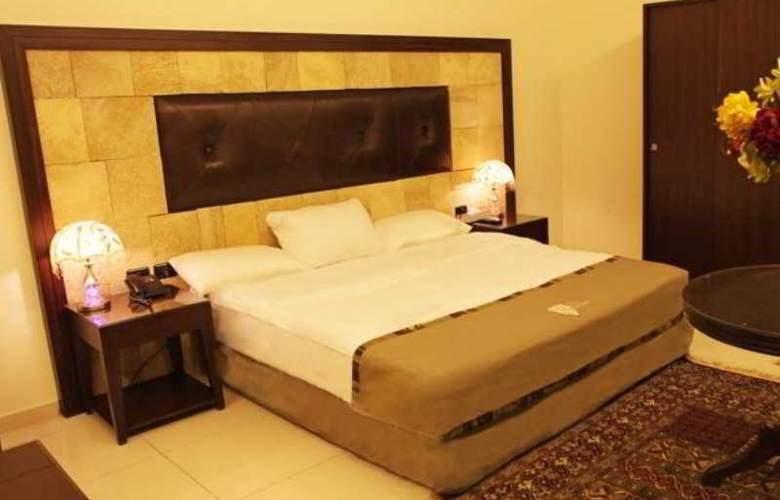 Reston Hotel - Room - 9