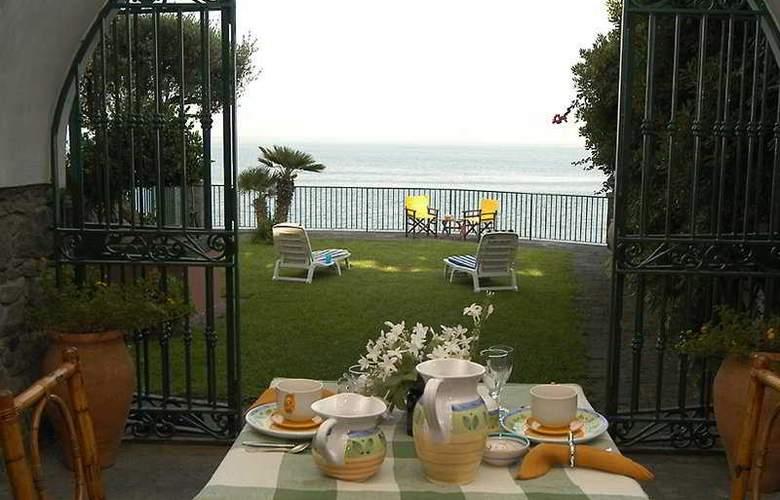 Villa Arco sul Mare - Hotel - 0