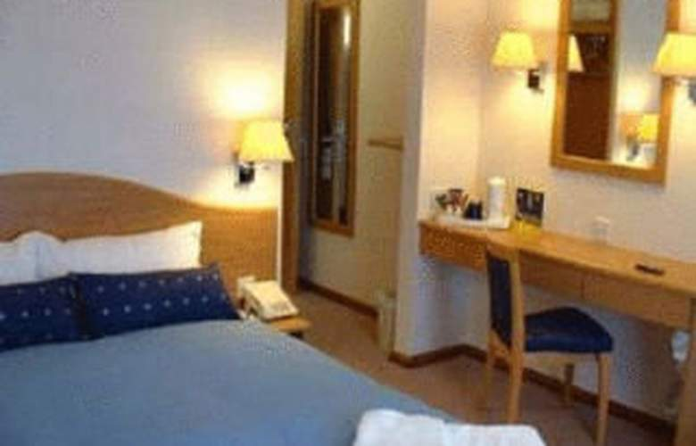 Days Inn Telford - Room - 0