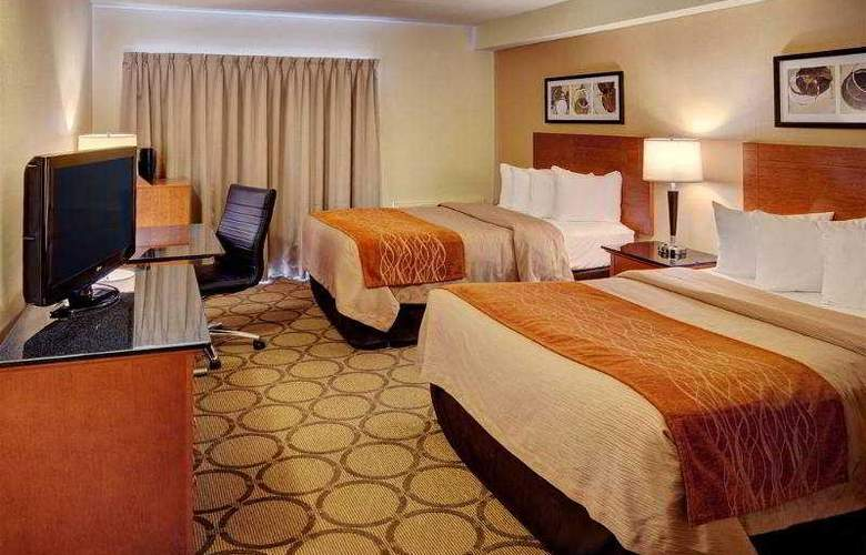 Comfort Inn Brossard - Hotel - 1