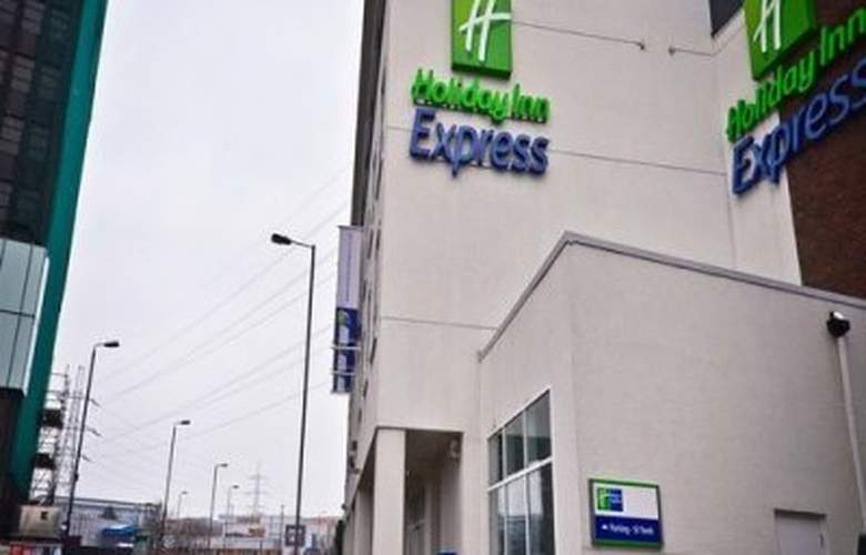 Holiday Inn Express London Wimbledon South - Hotel - 0
