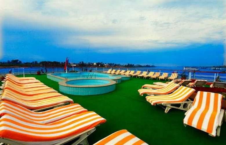 Lady Carol Nile Cruise - Terrace - 10