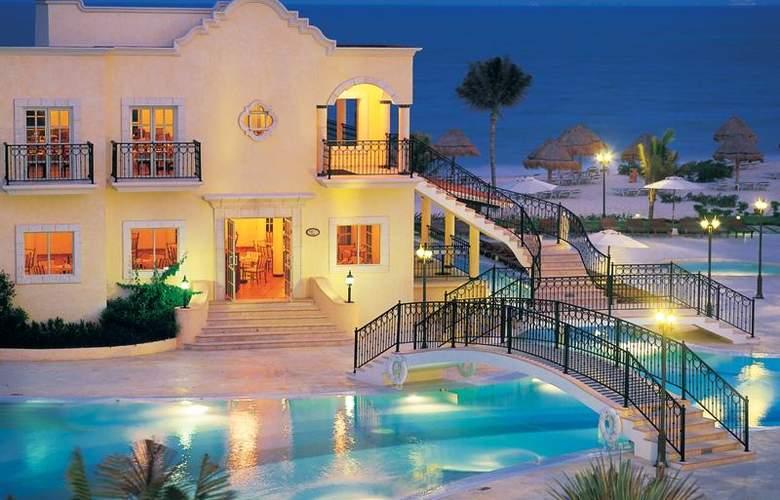 Secrets Capri Riviera Cancun  - Pool - 3