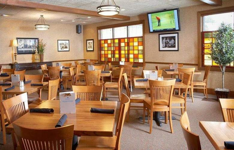 Best Western Dubuque Hotel & Conference Center - Restaurant - 116