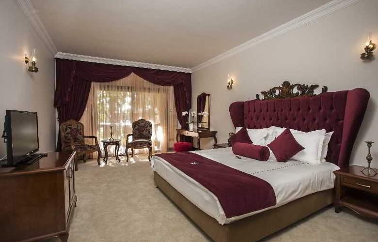 Chateau Lambousa Hotel - Room - 16